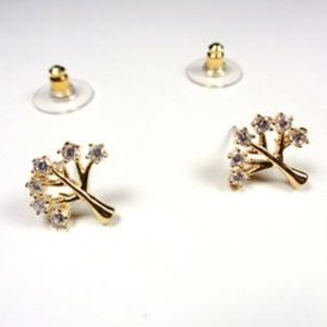 Jewelry - GOLD TONE TREE OF LIFE SPARKLING STONES EARRINGS